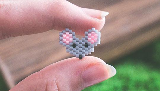 Miniaturowe kolczyki